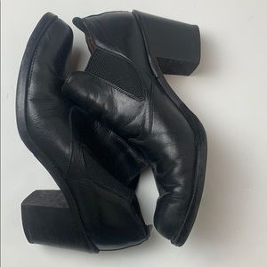 90's Guess leather Block heel Ankle boots SZ 7 1/2